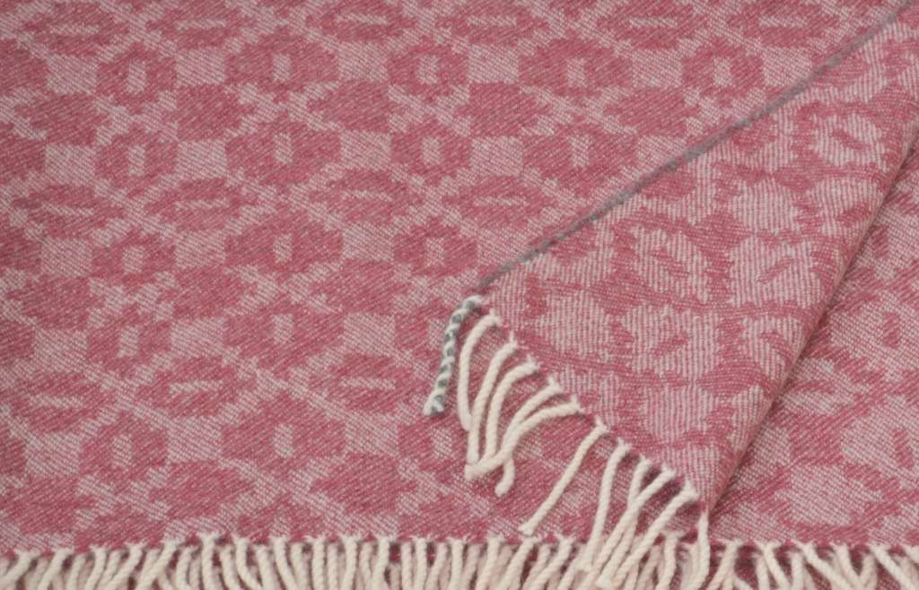 'Moroccan Tiles' design lambswool throw in kilim pink