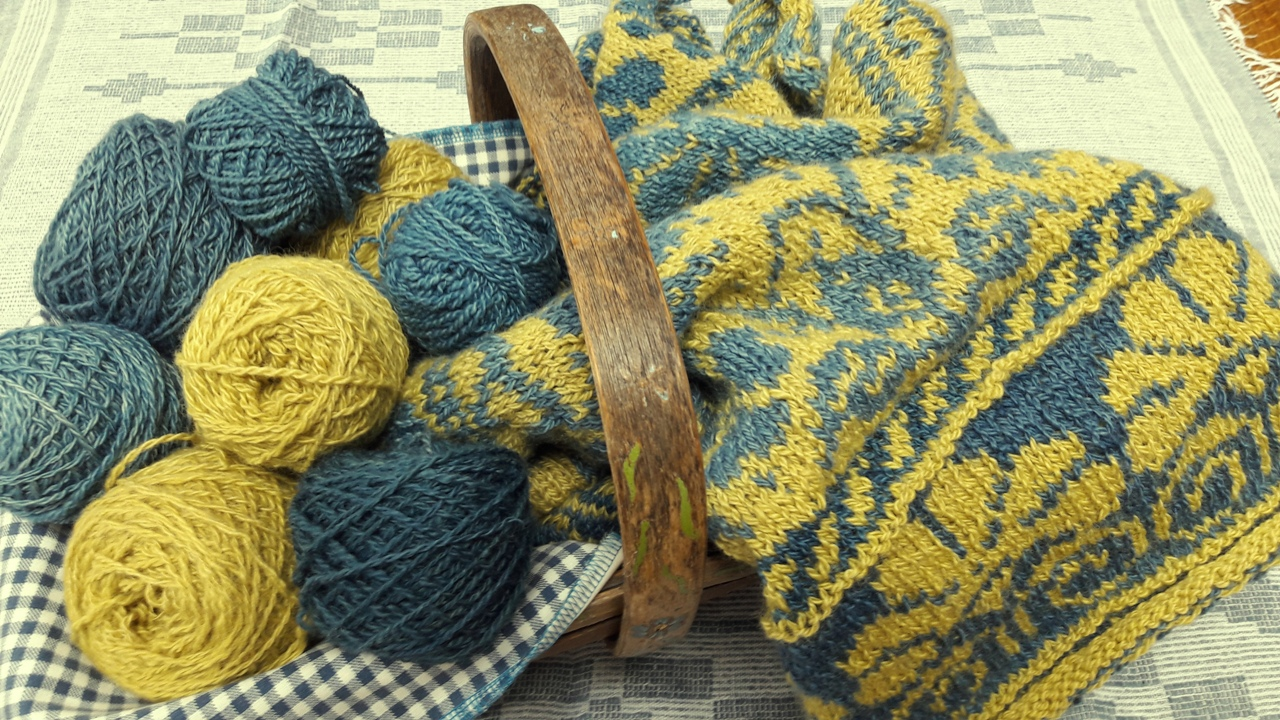 My Russian Jumper – handspun, naturally dyed and hand knitted